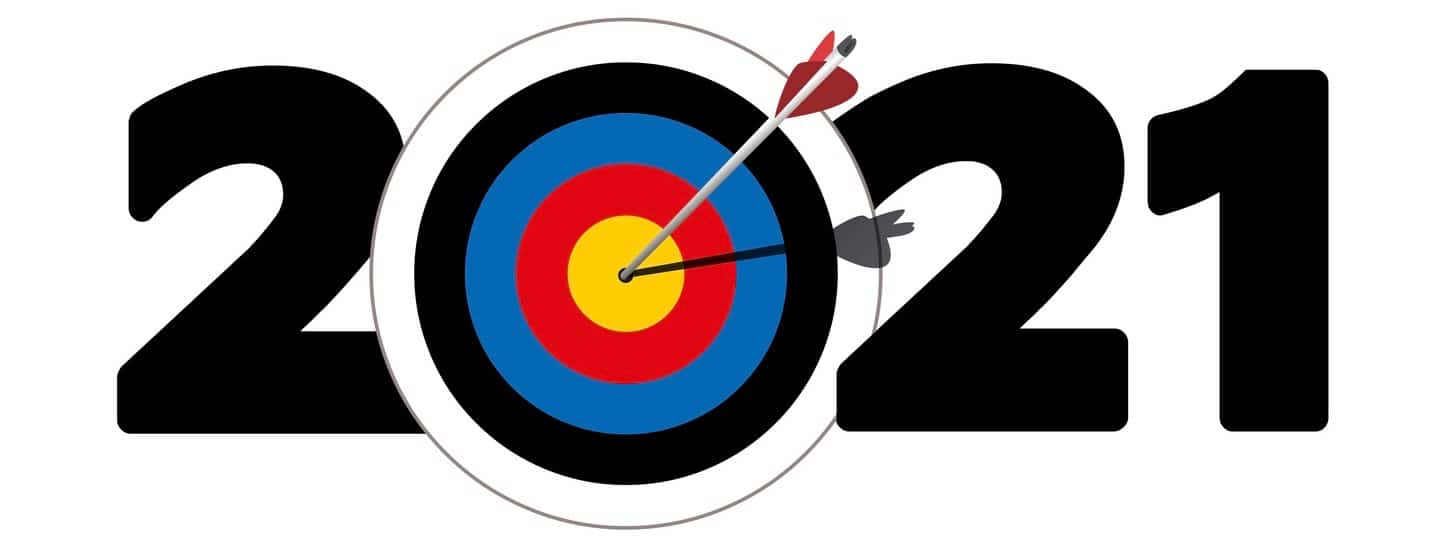 Greeting card for companies with the symbol of an arrow that reachs its target that forms the zero of 2021.